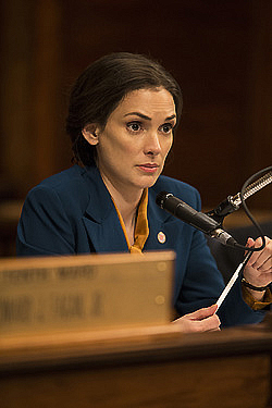Winona Ryder in Show Me a Hero - HBO