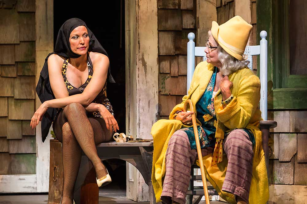 Grey Gardens-Ahmanson Theatre