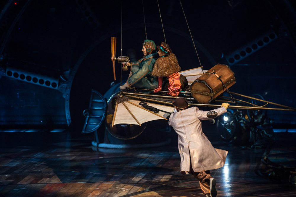 Kurios-Cabinet of Curiosities-Photo: Martin Girard